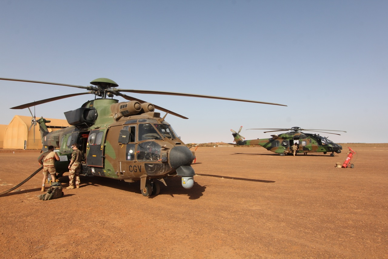 heli fuel with Upgrading Cougars For The French Army 237 on Agusta A109c Sn 7618 also Upgrading Cougars For The French Army 237 additionally Little  Bird AH 6 I further Aircraft together with Our Helicopter Fleet.
