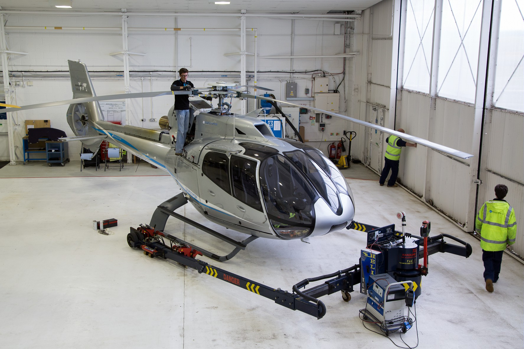 helicopter rotor design with H130 25 on Bell Fcx 001 Helicopter Concept 30 03 2017 as well Gaui X7 3d Helicopter likewise Longbow Aa as well Power In Air besides 2.